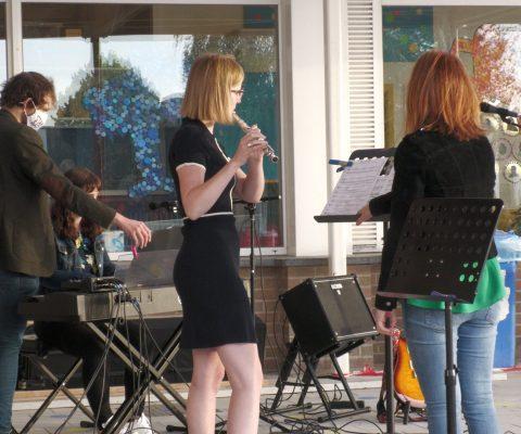 Zomerstraat in beeld: muziekavond in de Pastorijstraat, Slyskapelle